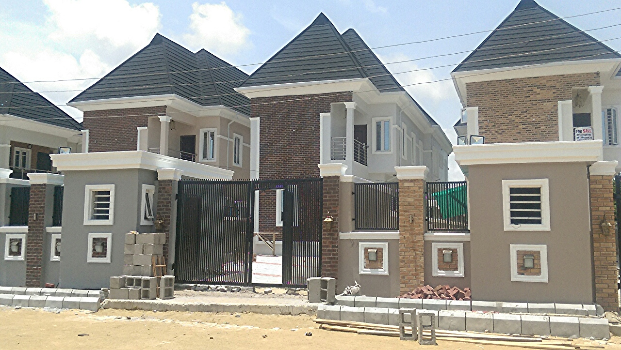 BRAND NEW 5BEDROOM FULLY DETACHED HOUSE WITH A ROOM BQ FOR SALE.