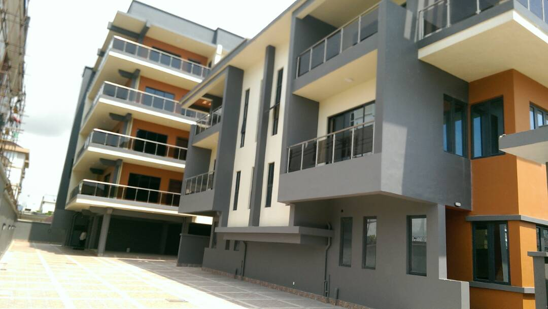 SERVICE 4BEDROOM PENTHOUSE FOR LEASE.