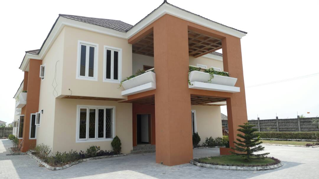 Magnificent brand new and luxuriously finished 7 bedroom detached house with boys quarters and swimming pool at Northern Foreshore Estate, Lagos