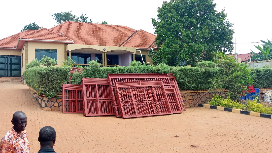 7bedrooms mansion for rent in Seeta at 2.5m