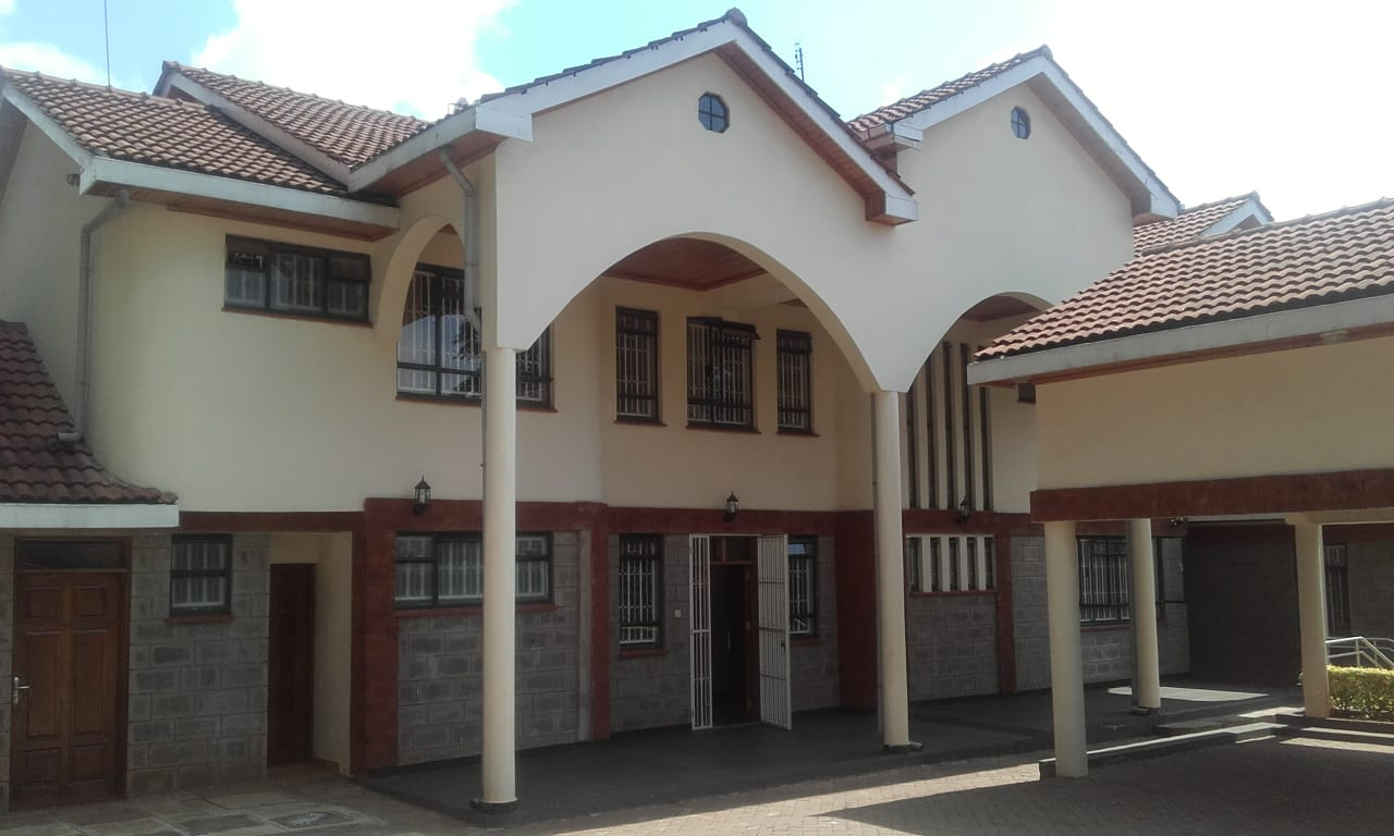 A modern and well designed 5 bedroom for rental in Runda kenya