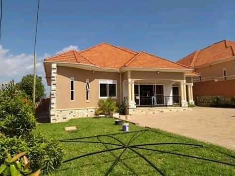 Bungalow for sale in kiira.