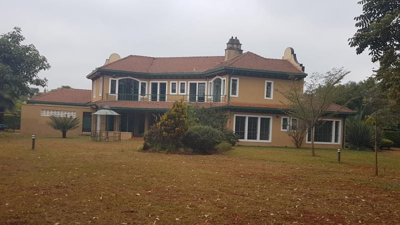 Beautiful 5bdr double stoery house within gated community in runda