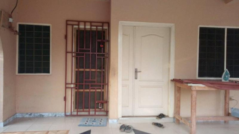 Spacious 4 bedrooms for Sale at Kuntunse Junction Accra,Ghana