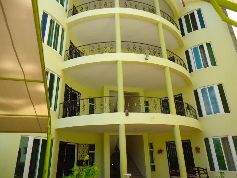 PEACEFUL LIVING 3 BEDROOM APARTMENT TO LET IN NYALI