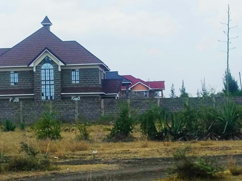 40x80 plots for Sale in Katani