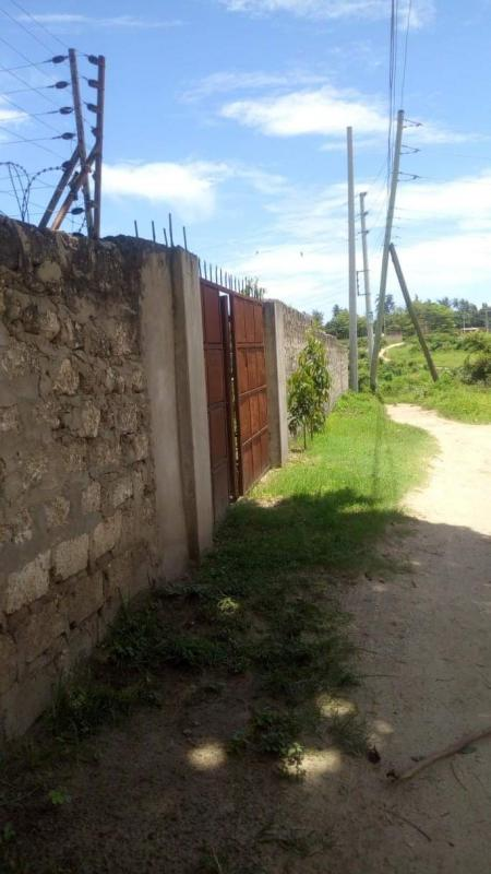 PRIME 100 by 100 PLOT FOR SALE IN MTWAPA,KENYA