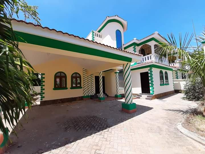 Modern executive 4 bedroom house for sale in nyali