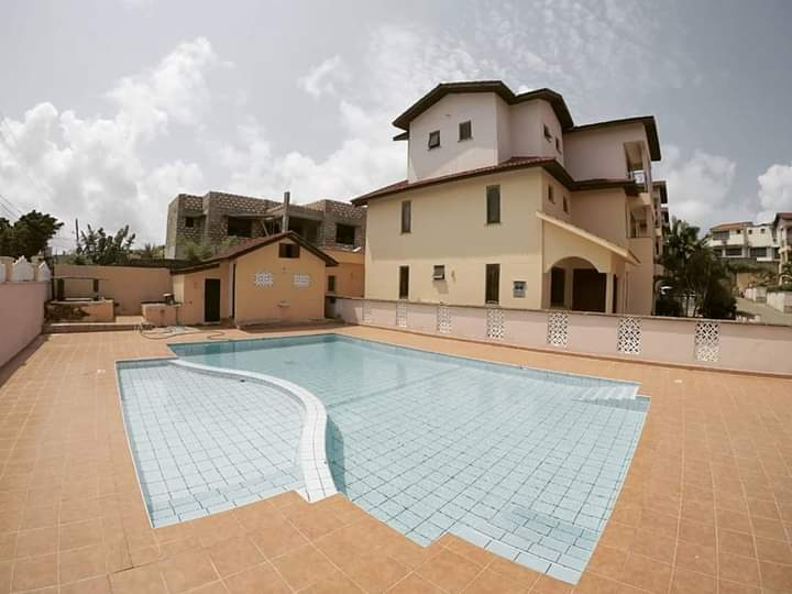 LOVELY 5  Bedroom.House for sale in nyali with swimming pool
