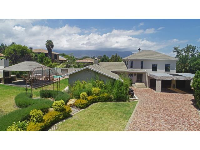 R5,270,000     6 Bedroom House For Sale in Pearlrise