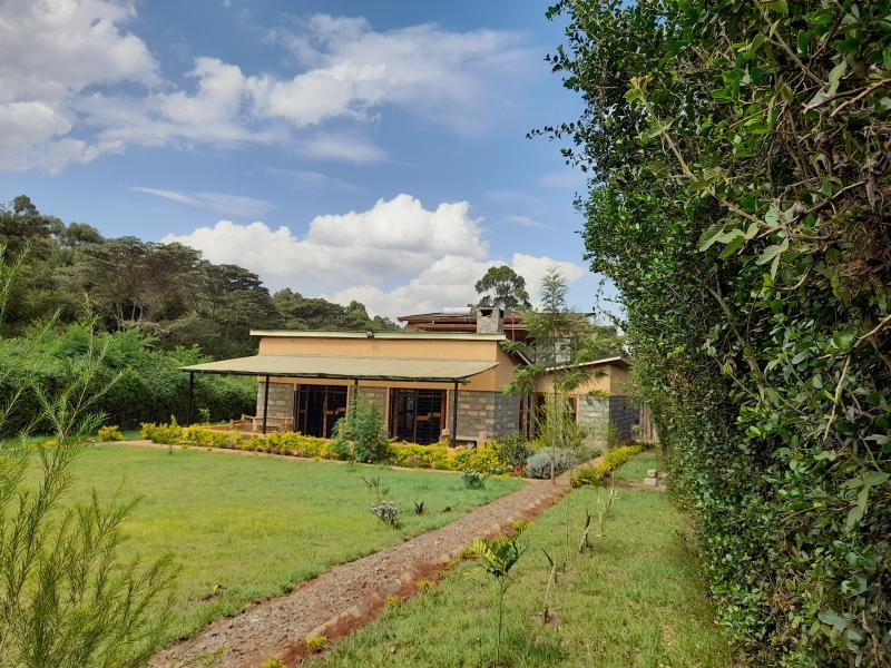 5 Bedroom All En-suite Townhouse to rent in Kerarapon