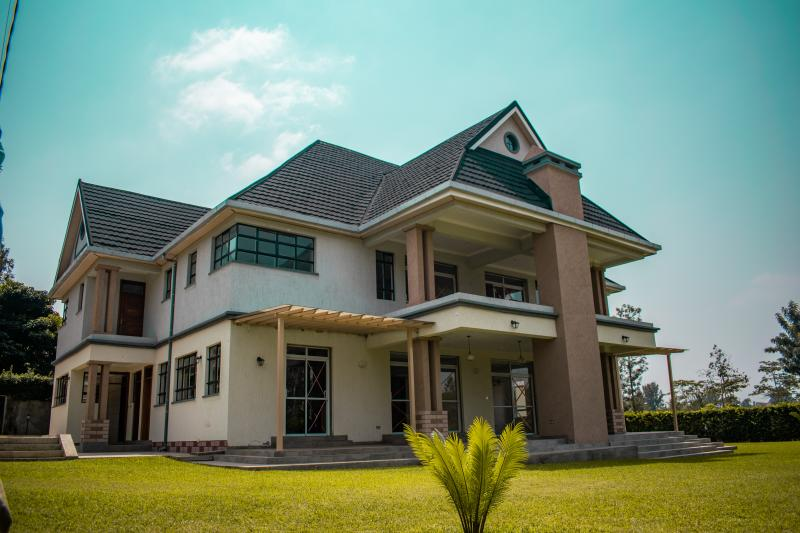 FIVE-BEDROOM HOUSE FOR SALE WITHIN GARDEN ESTATE